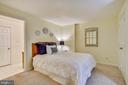 Lower Level NON-EGRESS 5th Bedroom-En Suite Bath - 2877 FRANKLIN OAKS DR, HERNDON
