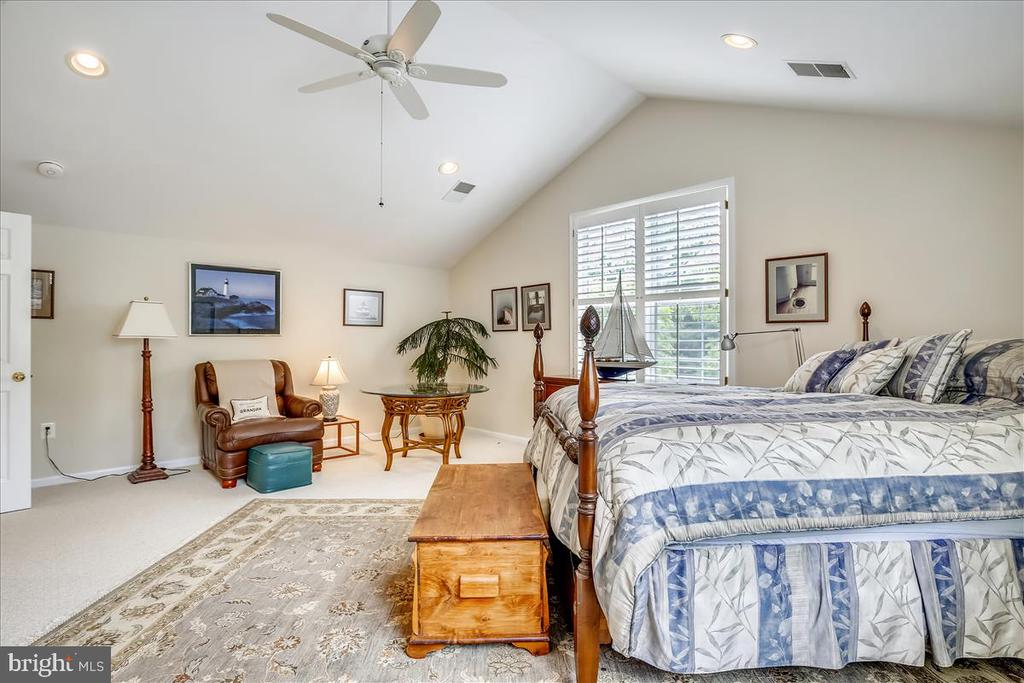 Second master with en-suite - 43416 WESTCHESTER SQ, LEESBURG