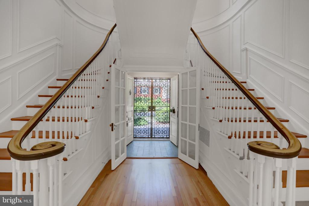 Elegant Dual Staircase - 107 SAINT MARTINS RD, BALTIMORE