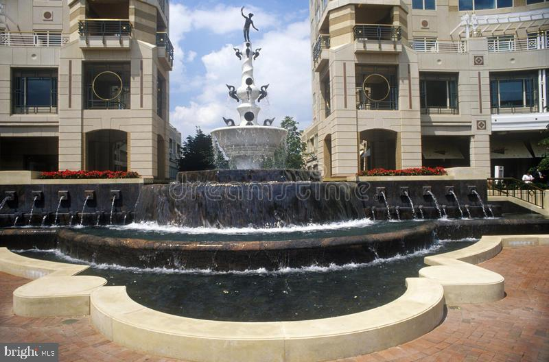 Reston Town Center (RTC)  Fountain - 12110 WALNUT BRANCH RD, RESTON