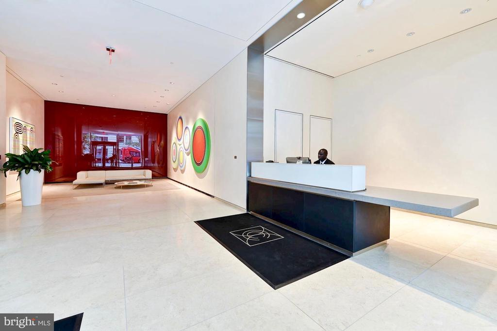 Lobby and Concierge - 925 H ST NW #301, WASHINGTON