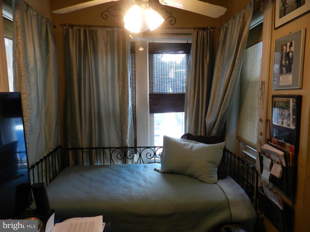Upper Level Bedroom #3 - 41 NEW YORK AVE NW, WASHINGTON