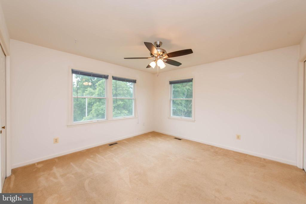 Main Level Bedroom 2 - 3326 CARLISLE DR, KNOXVILLE