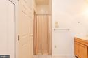 In-Law  Suite Full Bath Walk-In Shower - 3326 CARLISLE DR, KNOXVILLE