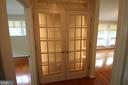 Built-in Lighted Curio - 4004 DENFELD AVE, KENSINGTON