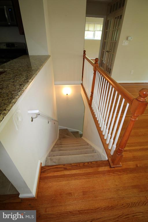 Stairway to Lower Level - 4004 DENFELD AVE, KENSINGTON