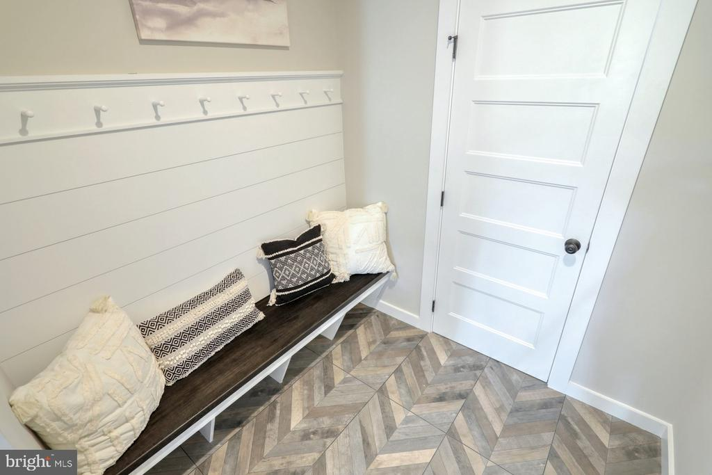 Mudroom with optional bench and coat rack - 10674 OLD BOND MILL RD, LAUREL