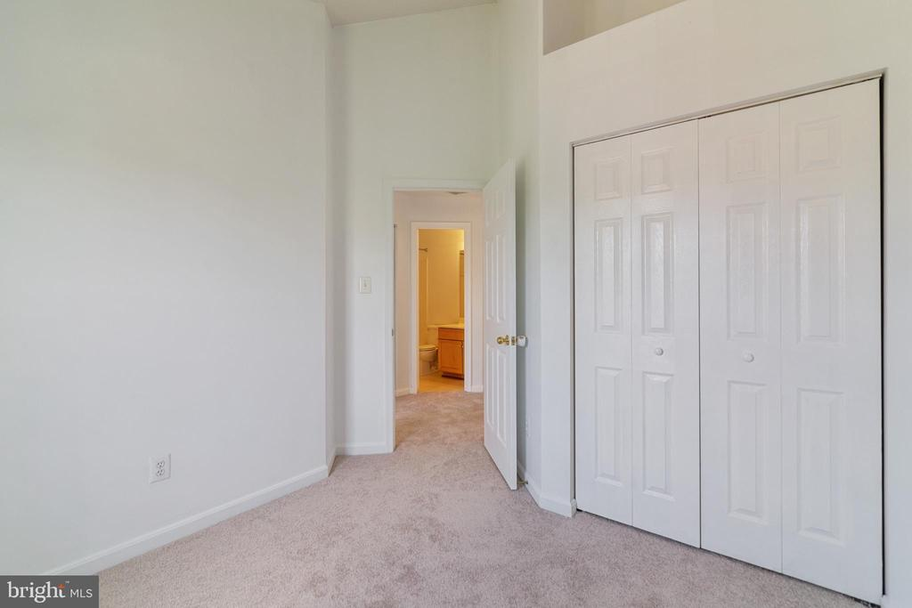 Bedroom Two with Vaulted Ceiling - 13433 CATAPULT LN, BRISTOW