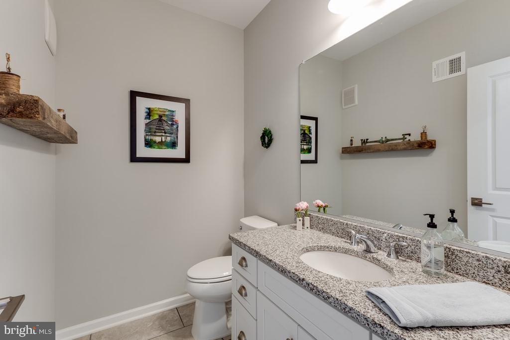 Powder Room - 43047 STUARTS GLEN TER #116, ASHBURN