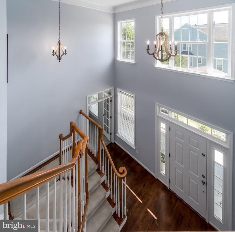 Welcoming Two Story Foyer - 43309 ATHERTON ST, ASHBURN