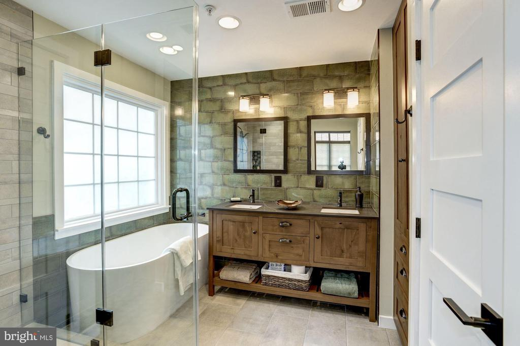 Custom master bath with heated floor tiles - 1330 N ADAMS CT, ARLINGTON