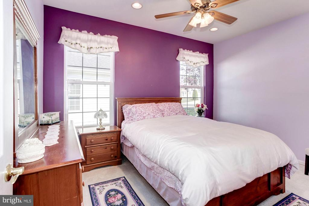 Bedroom 2 with Recessed Lights & Ceiling Fan - 3854 CHAMPION OAK DR, DUMFRIES