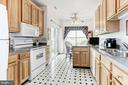 Spacious and bright kitchen - 117 EASY ST #31, THURMONT