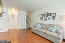 Spacious Living Room - 6010 CHESTNUT HOLLOW CT, CENTREVILLE
