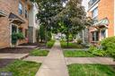 Condo faces the courtyard - 86 N BEDFORD ST #86A, ARLINGTON