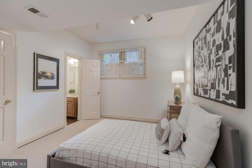Bedroom 5 - 5201 MANNING PL NW, WASHINGTON