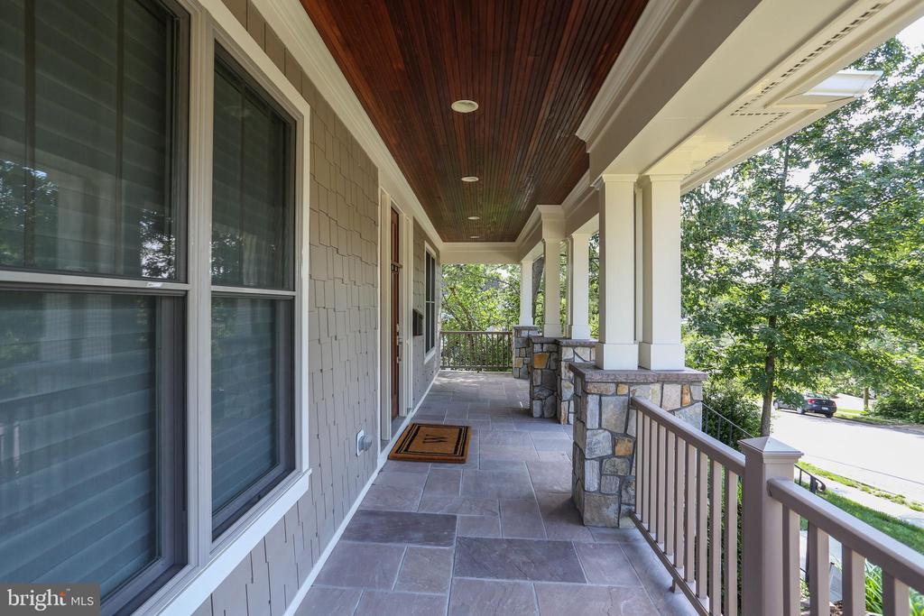 Front porch view of leafy neighborhood - 3401 N KENSINGTON ST, ARLINGTON