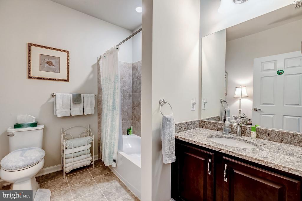 Second full bath - nicely appointed - 20660 HOPE SPRING TER #407, ASHBURN