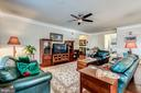 spacious living room and open floorplan - 20660 HOPE SPRING TER #407, ASHBURN