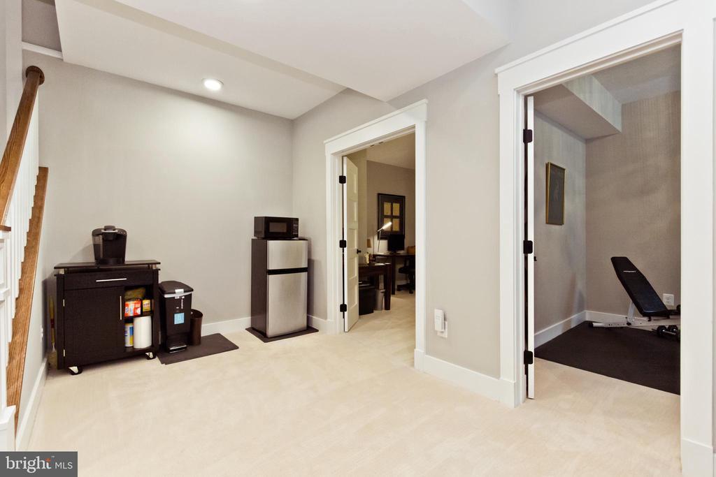 Rec-room - 3000 12TH ST S, ARLINGTON