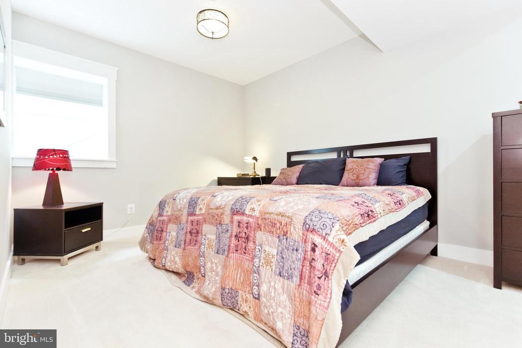 5th bedroom in basement - 3000 12TH ST S, ARLINGTON