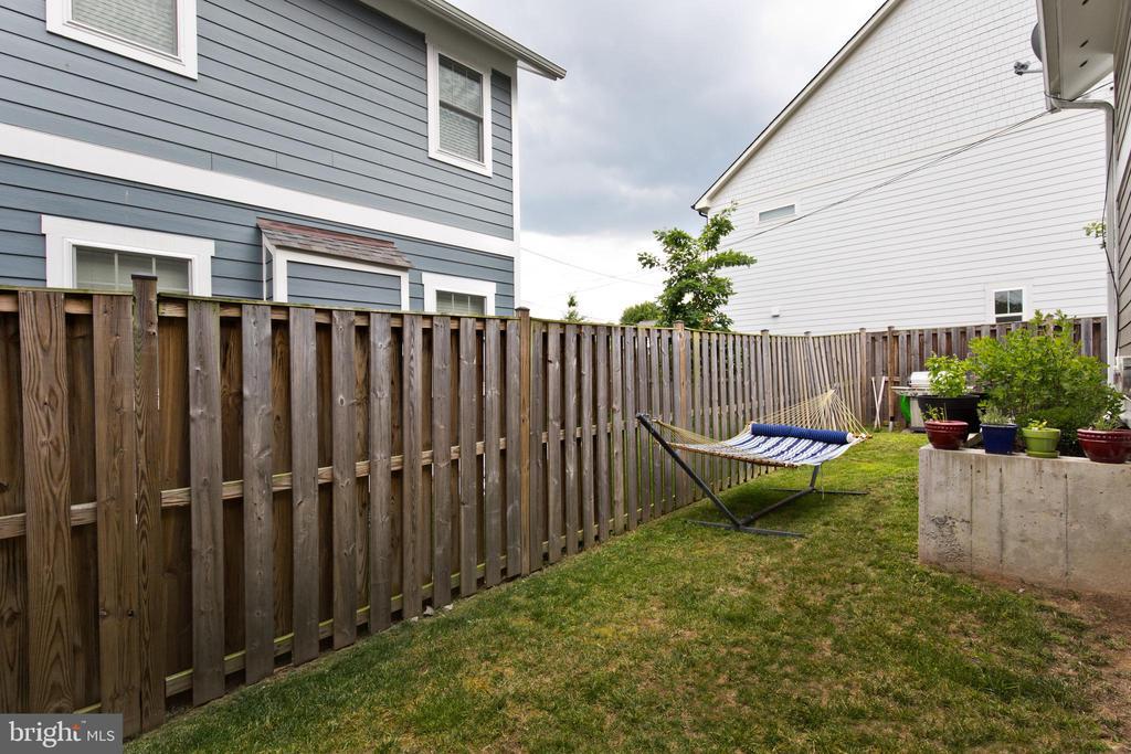 Back yard - 3000 12TH ST S, ARLINGTON