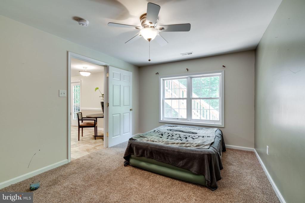 Fifth Bedroom - Basement - 29 DERRICK LN, STAFFORD