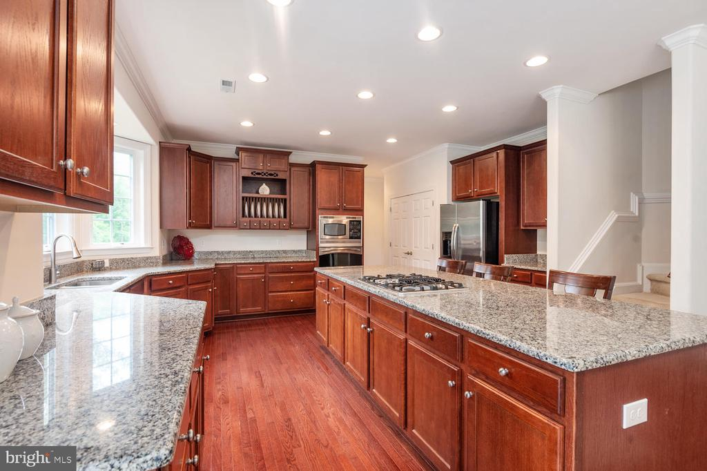 Deluxe Kitchen with bay window upgrade! - 4950 CAMP GEARY LN, STAFFORD