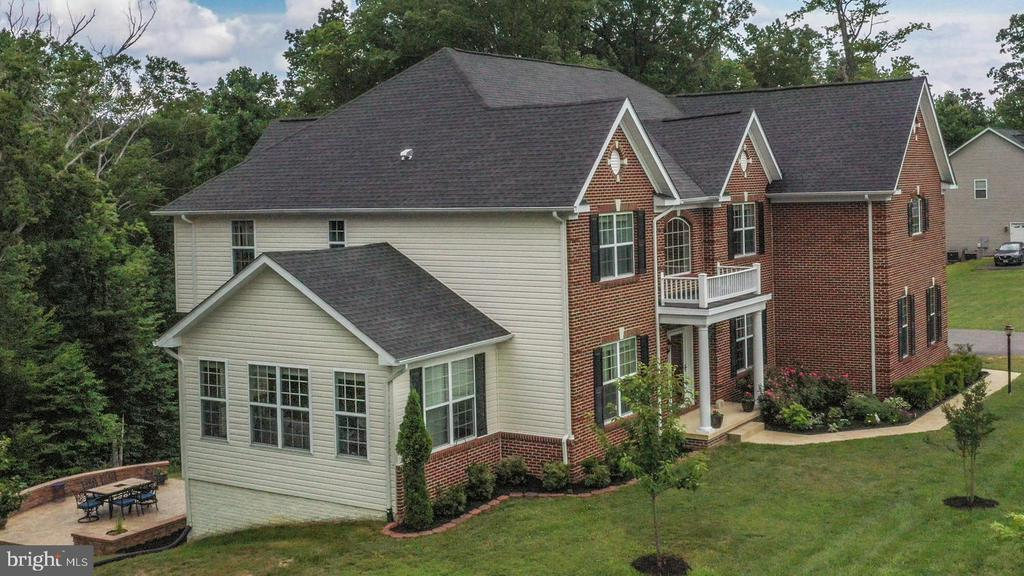 Luxury Estate Living - 4950 CAMP GEARY LN, STAFFORD