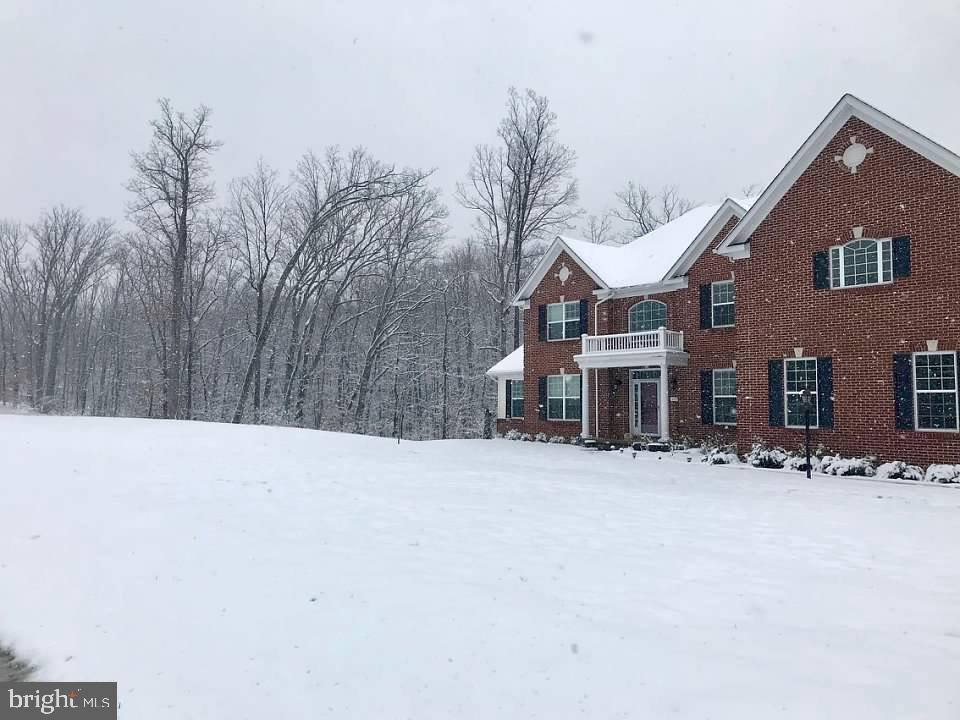 Snow on the Estate! - 4950 CAMP GEARY LN, STAFFORD