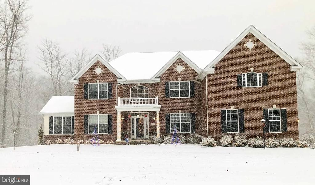Snow on the Estate - 4950 CAMP GEARY LN, STAFFORD