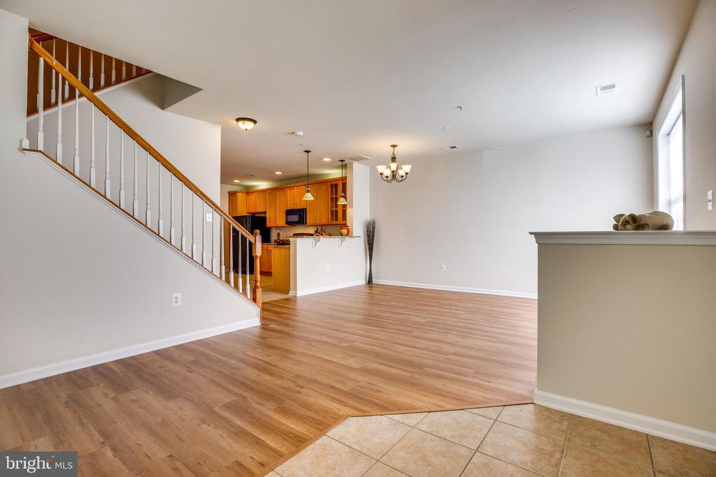 Upgraded Fixtures Throughout Home - 22755 SETTLERS TRAIL TER, BRAMBLETON