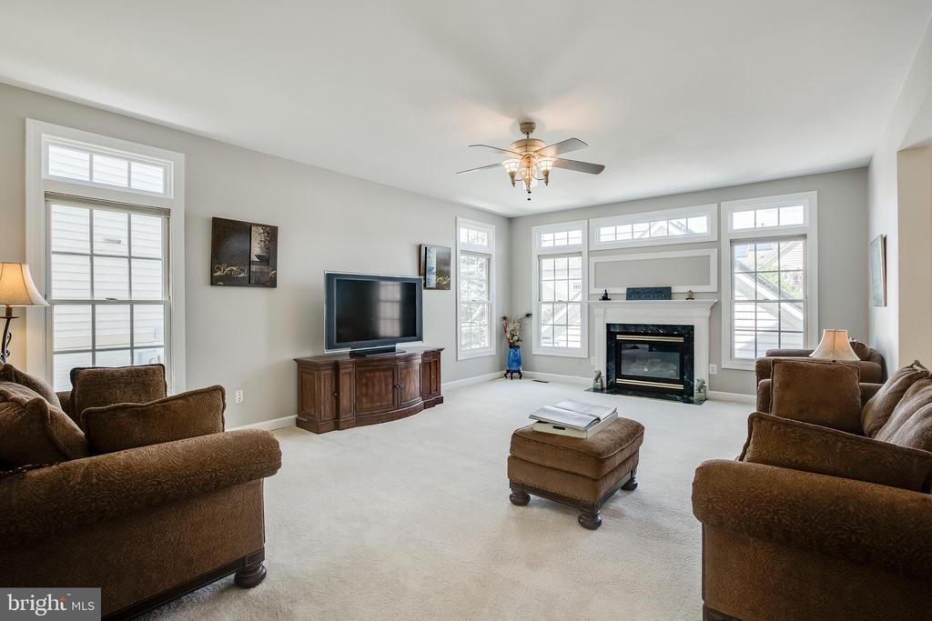 Great Room - 618 LINSLADE ST, GAITHERSBURG