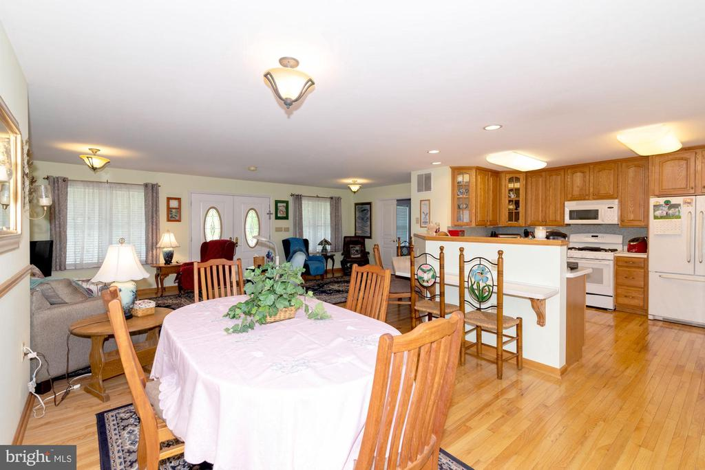 DINING+KITCHEN - 390 NANSFIELD DR, HARPERS FERRY