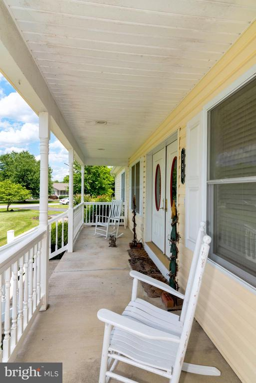 FRONT PORCH - 390 NANSFIELD DR, HARPERS FERRY