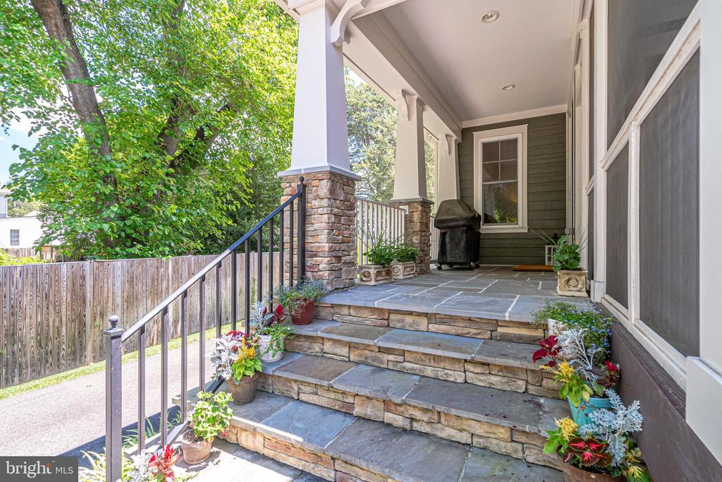 Stone & flagstone stairs to screened in porch - 8720 PLYMOUTH RD, ALEXANDRIA
