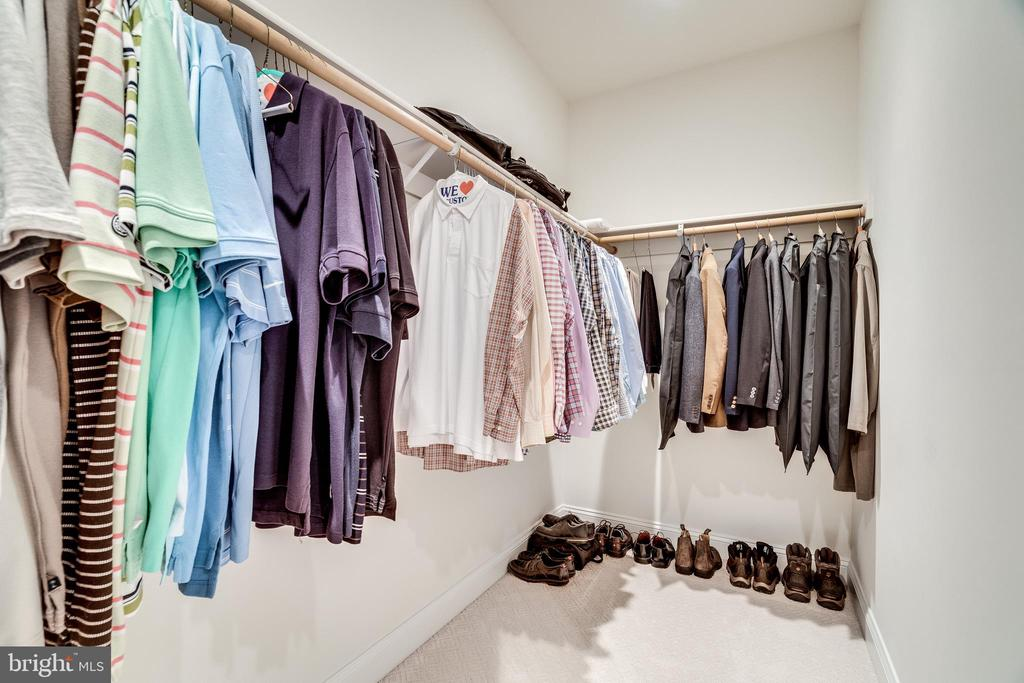 Master closet #2 - 8720 PLYMOUTH RD, ALEXANDRIA
