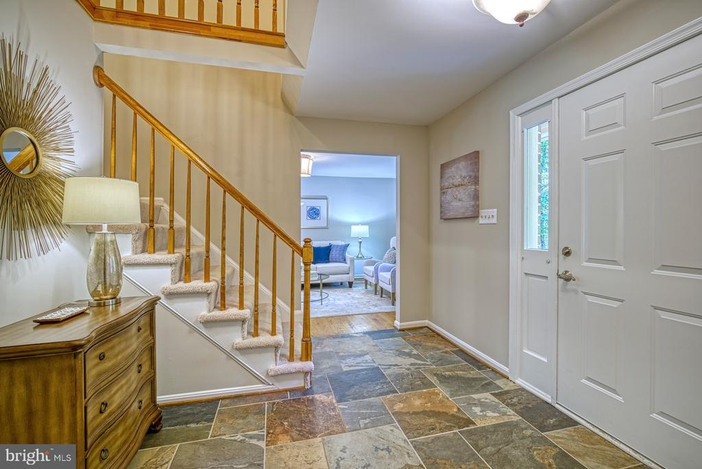 Gorgeous 2-story foyer with slate entry - 12302 CANNONBALL RD, FAIRFAX