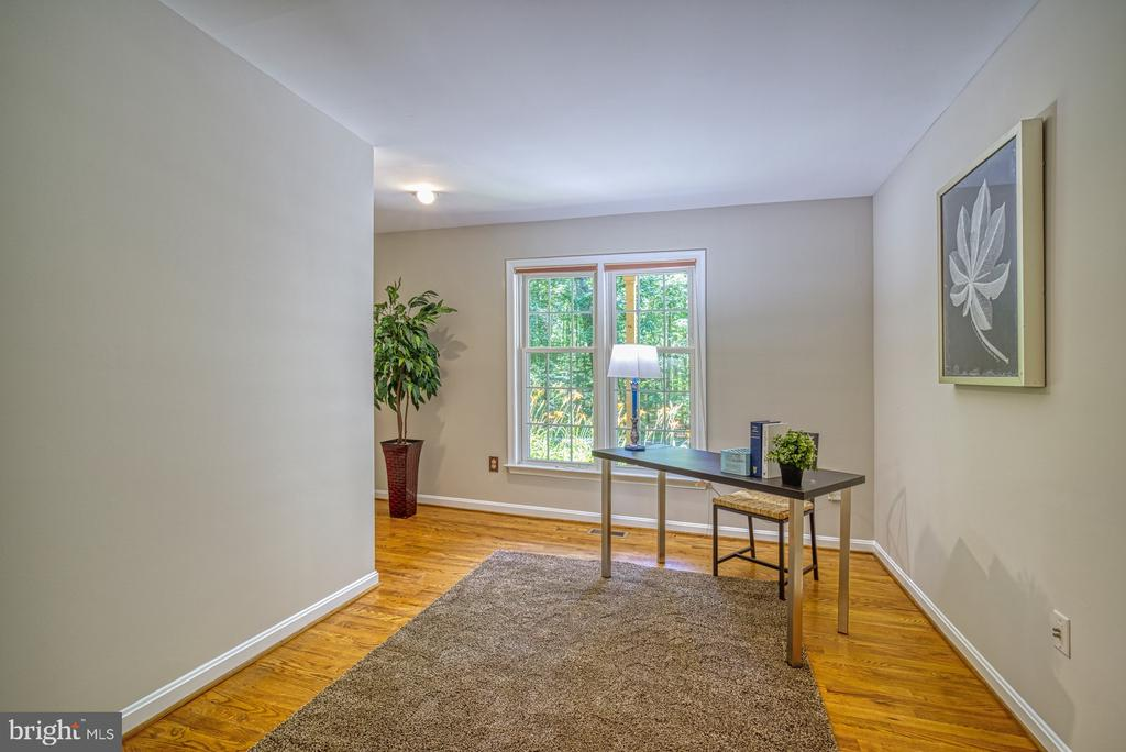 Office off family room with garage entry too - 12302 CANNONBALL RD, FAIRFAX