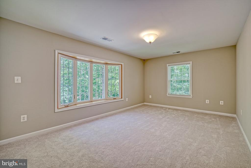 Bedroom 3 with bowed window - 12302 CANNONBALL RD, FAIRFAX