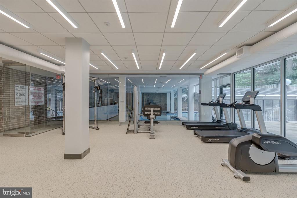 Exercise Equipment - 4100 CATHEDRAL AVE NW #810, WASHINGTON
