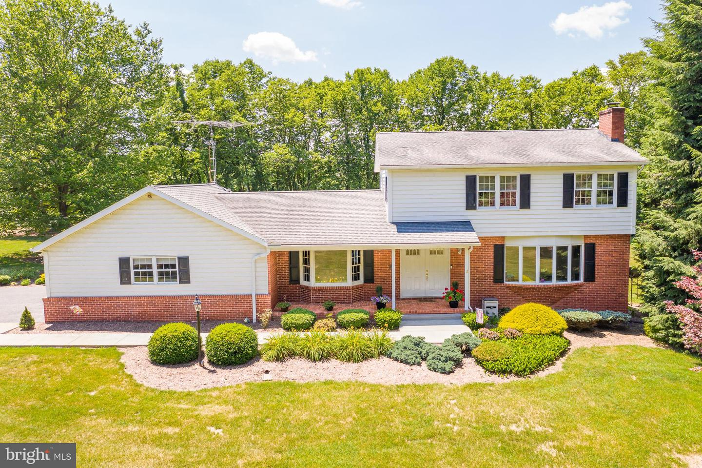 Single Family Homes 용 매매 에 Falling Waters, 웨스트버지니아 25419 미국
