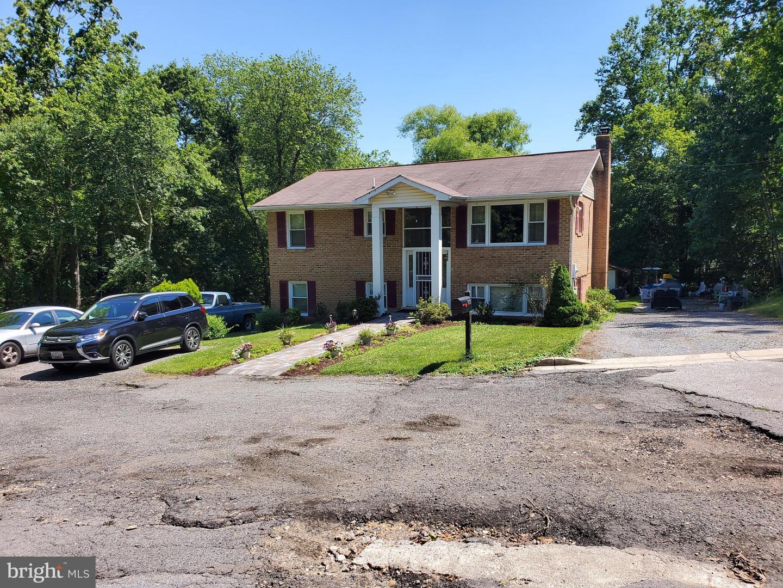 Single Family Homes para Venda às Clinton, Maryland 20735 Estados Unidos