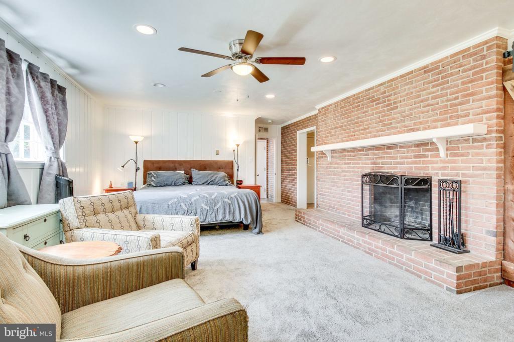 rec room/extra bedroom - 2718 FOX MILL RD, OAK HILL