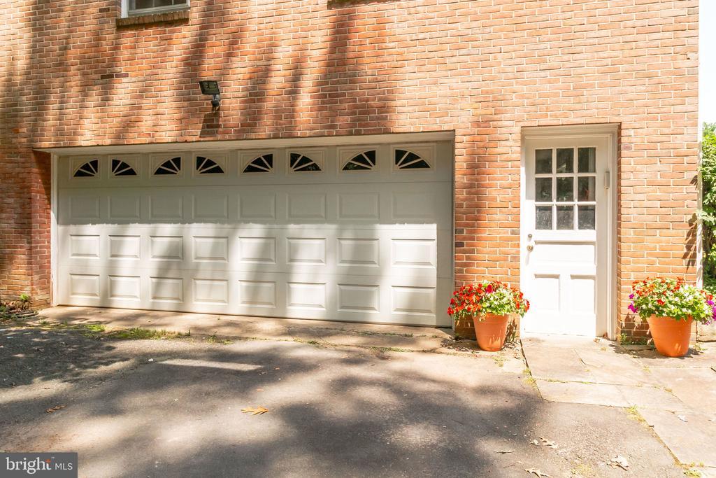 garage - 2718 FOX MILL RD, OAK HILL