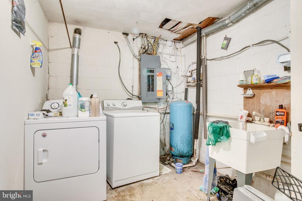 laundry room #2 - 2718 FOX MILL RD, OAK HILL