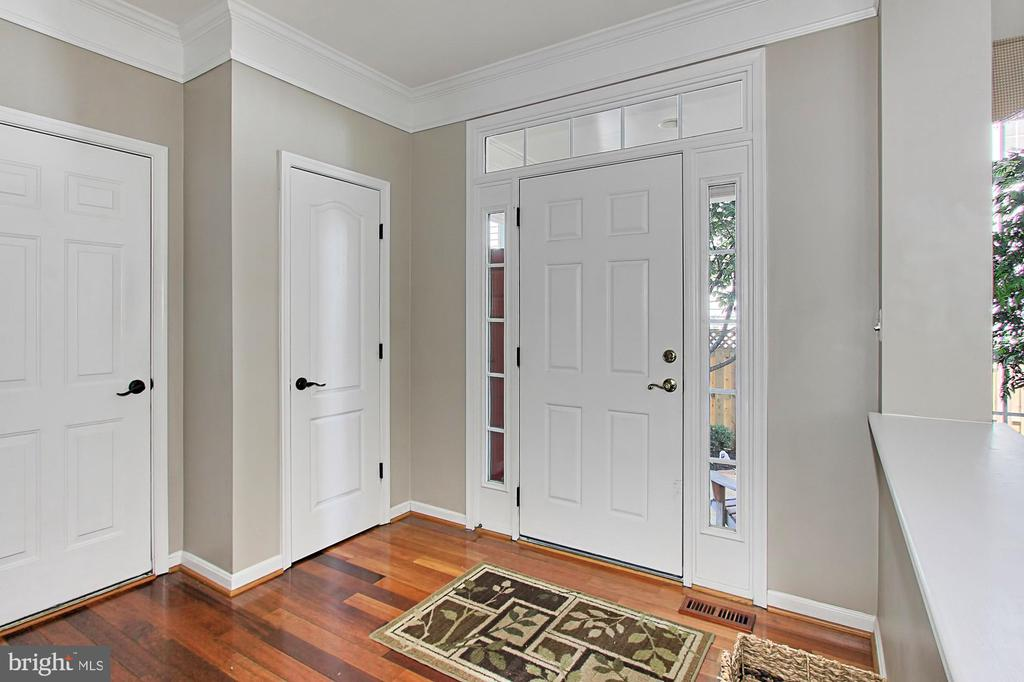 Foyer - 21876 LARCHMONT WAY, BROADLANDS