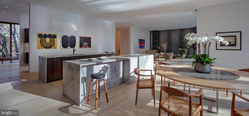 Kitchen, Breakfast Room open to Family Room - 3131 CHAIN BRIDGE RD NW, WASHINGTON