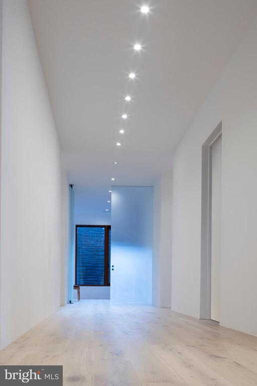 Second Level Gallery - 3131 CHAIN BRIDGE RD NW, WASHINGTON