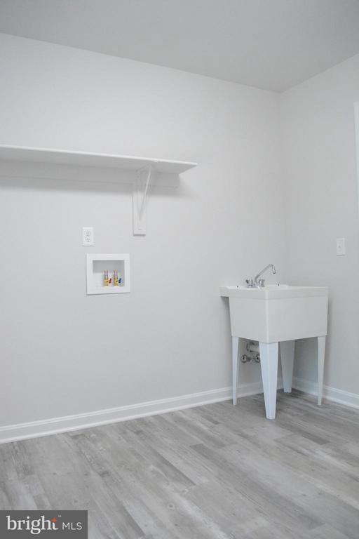 Laundry room - 111 APPLEVIEW CT, LOCUST GROVE